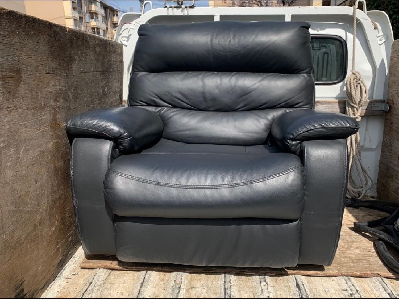 神戸市須磨区のお客様よりソファーの回収のご依頼